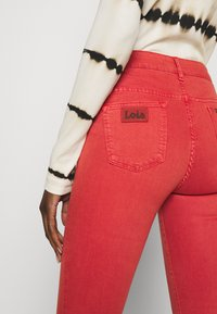LOIS Jeans - RAVAL - Trousers - cayenne - 5