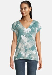 Betty & Co - Print T-shirt - green/white - 0