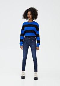 PULL&BEAR - PUSH UP - Jeans Skinny Fit - mottled dark blue - 1