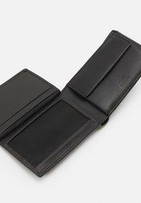 Bogner - ASPEN NELIO BILLFOLD - Peněženka - black - 3