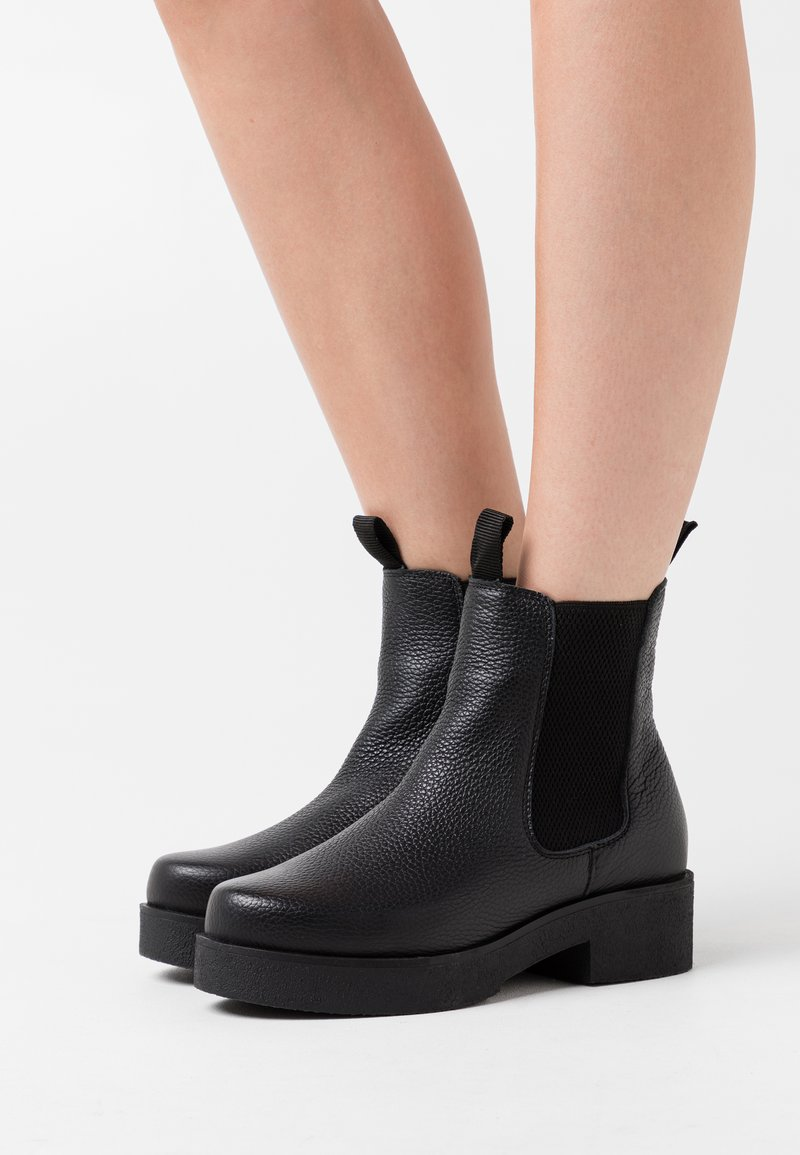 Zign - Kotníkové boty na platformě - black