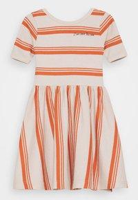 Mainio - HORIZONS DRESS - Jumper dress - moonbeam/autumn glaze - 0