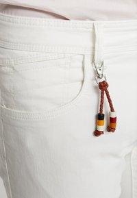 Esprit - MICRO - Shorts di jeans - white - 5