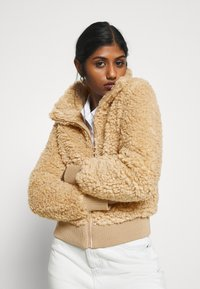 ONLY Petite - ONLELLIE SHERPA JACKET - Light jacket - cuban sand - 3