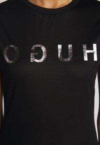 HUGO - DENNA - Camiseta estampada - black/silver - 7