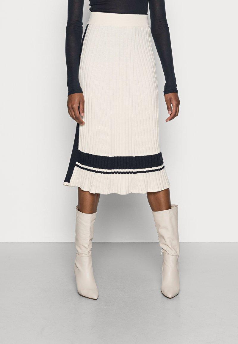 GANT - VARSITY SKIRT - Pencil skirt - cream