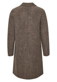 Culture - Klasyczny płaszcz - friar brown - 5