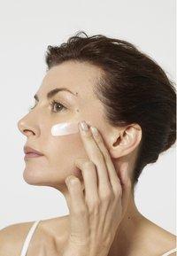 L'Oréal Paris Skin - REVITALIFT LASER X3 50ML - Night care - - - 3