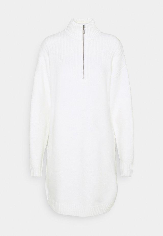 JASMIN AZIZAM ZIP DETAIL DRESS - Sukienka dzianinowa - off white