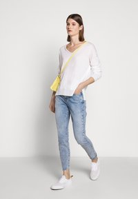 CLOSED - WOMEN´S - Jumper - ivory - 1