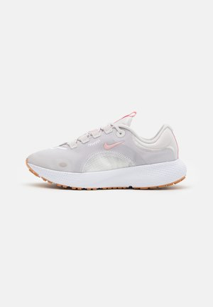 REACT ESCAPE RN - Neutral running shoes - vast grey/pink glaze/summit white/white