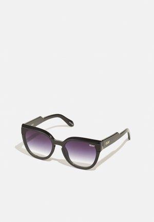 NOOSA BEVEL - Sunglasses - black fade