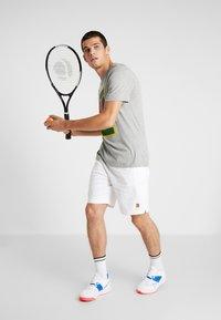 Nike Performance - SHORT HERITAGE - Träningsshorts - white - 1