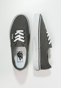Vans - AUTHENTIC - Skateboardové boty - pewter/black - 1