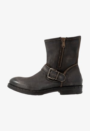 BEDFORD - Cowboy/biker ankle boot - stone