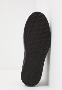 ECCO - SOFT 8 - Sneakersy niskie - black - 4