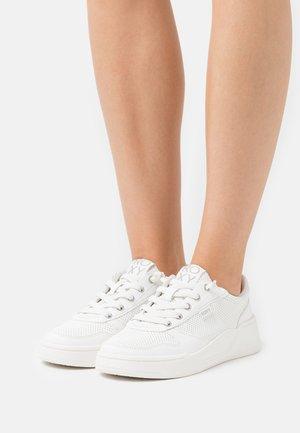 HARPER - Sneakers basse - white