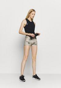 Nike Performance - SHORT CAMO - Tights - beige/light green - 1