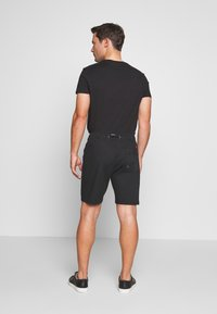 INDICODE JEANS - THISTED - Shorts - black - 2