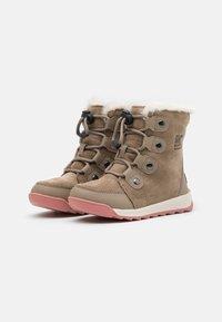 Sorel - YOUTH WHITNEY  - Winter boots - khaki - 1