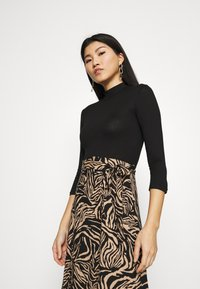 Dorothy Perkins - ZEBRA PRINT DRESS - Day dress - black - 3