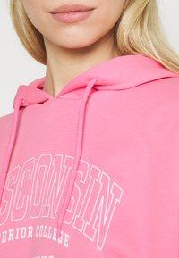 ONLY - ONLCOLLEGE DREAM LIFE HOOD - Hoodie - sachet pink/wisconsin - 3