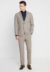 Selected Homme - SLHSLIMMARK-WASHED - Business skjorter - navy blazer - 1