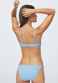 OYSHO - STRUCTURED - Bikinitop - light blue - 2