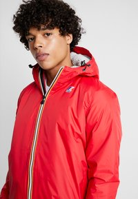 K-Way - UNISEX CLAUDE ORESETTO - Light jacket - red - 3