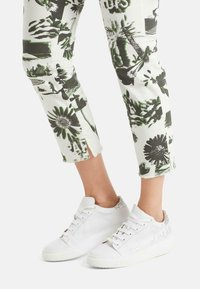 Marc Cain - Slim fit jeans - off-white - 1