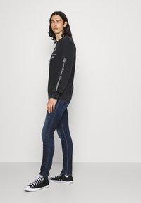 Replay - JONDRILL AGED - Slim fit jeans - dark blue - 3