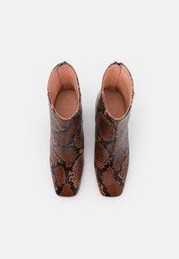 J.CREW - SNAKE ALEX BOOT - Korte laarzen - dry cinnamon - 4