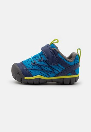 CHANDLER CNX UNISEX - Trekingové boty - brilliant blue/blue depths