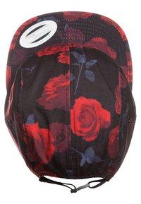 Flexfit - ROSES JOCKEY - Cap - black/red - 5