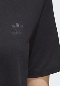 adidas Originals - ADICOLOR SPORTS INSPIRED REGULAR DRESS - Sukienka letnia - black/white - 6