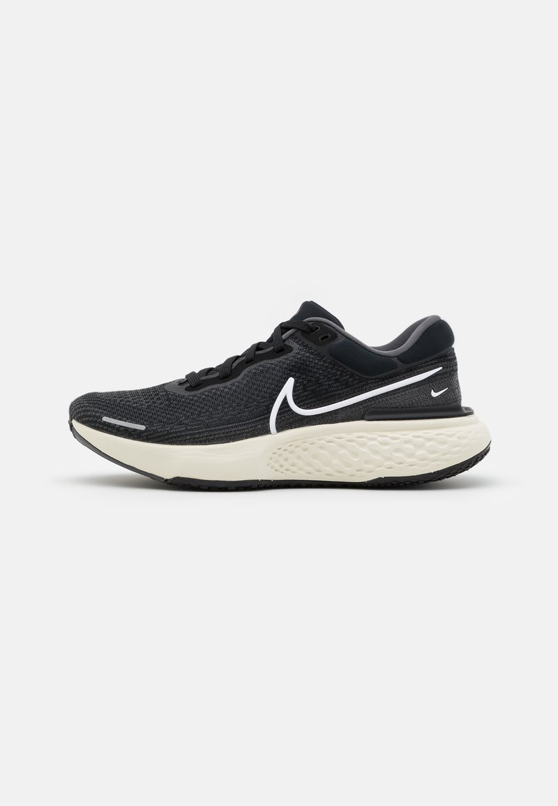 Nike Performance - ZOOMX INVINCIBLE RUN - Neutral running shoes - black/white/iron grey