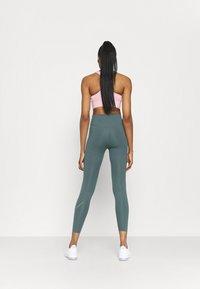 Nike Performance - NIKE ONE 7/8 - Leggings - hasta/white - 2