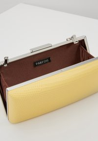 PARFOIS - Clutch - yellow - 4