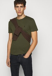 Polo Ralph Lauren - T-shirts basic - company olive - 4