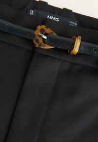 Mango - BOREAL - Trousers - schwarz - 5