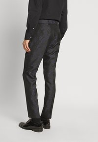 Isaac Dewhirst - TUX - Completo - black - 2