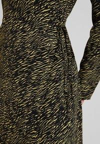 Glamorous - Kjole - yellow mini zebra - 5