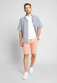 Pepe Jeans - STANLEY - Denim shorts - sundown - 1