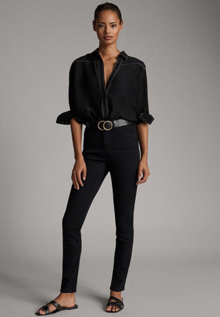 Massimo Dutti - MIT HOHEM BUND - Slim fit jeans - black