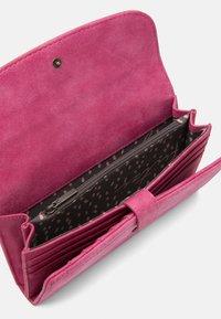 Fritzi aus Preußen - Wallet - squeezy pink - 2