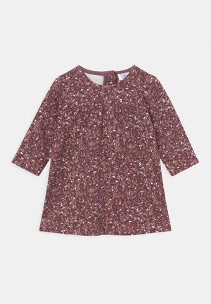 KARI DRESS - Žerzejové šaty - pale mauve
