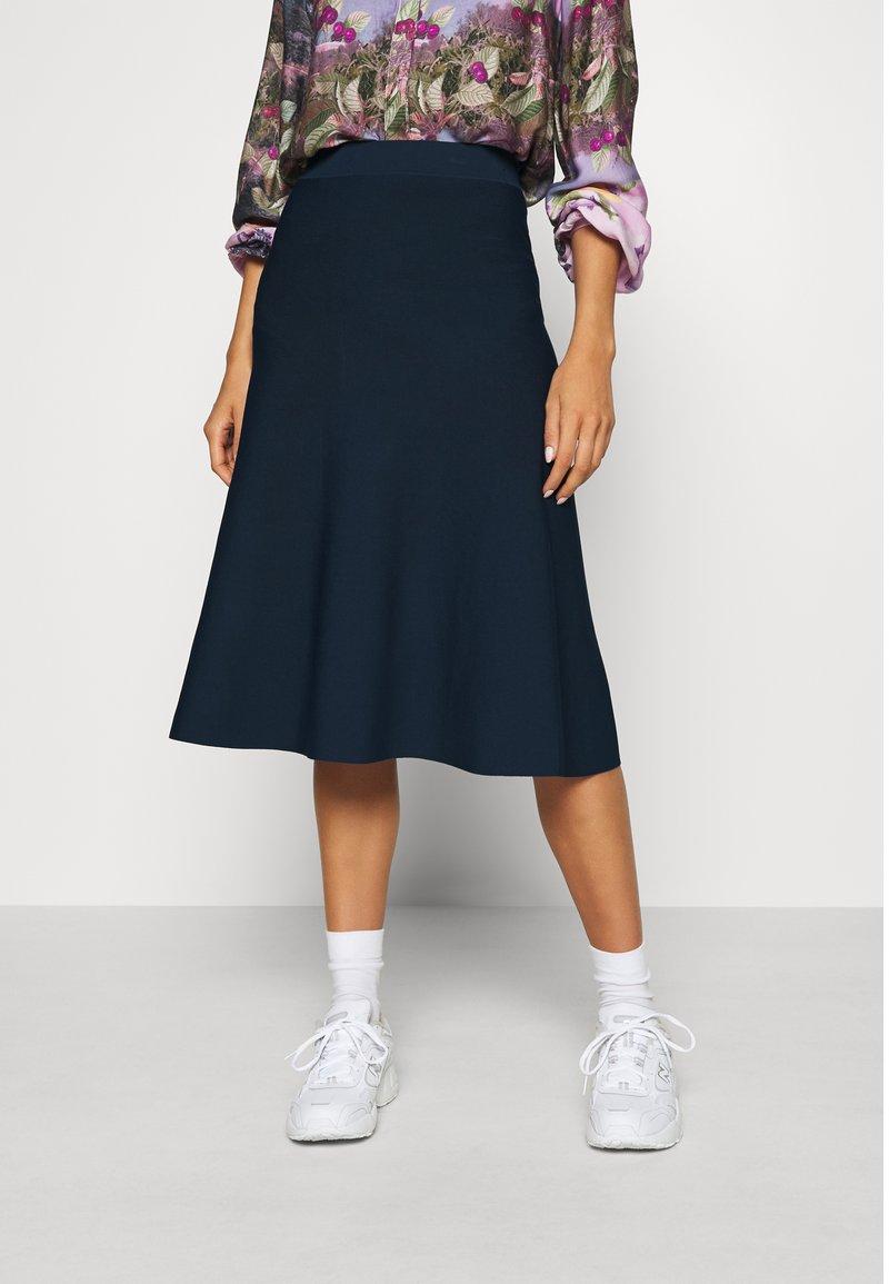 Nümph - NUBEVIN SKIRT - Áčková sukně - moonlite