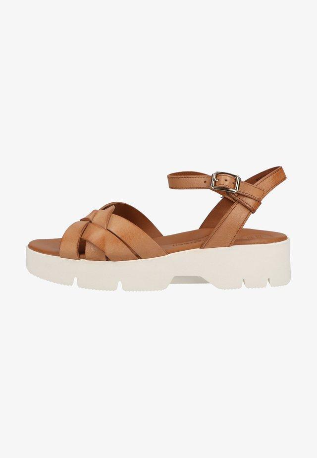 Sandalen met plateauzool - mittelbraun