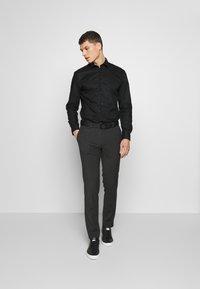 Selected Homme - SHONENEW MARK - Shirt - black - 1