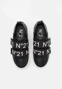 N°21 - Baskets basses - black - 3